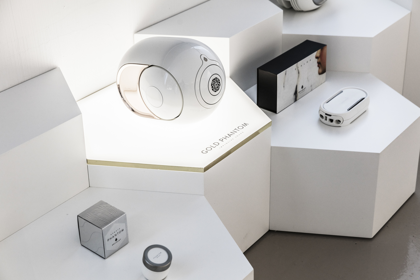 Devialet's Gold Phantom and accessories