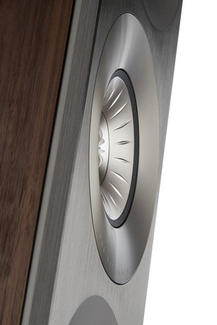 KEF Announces Expansion of Reference line With New Model and Updated Finish Selection for 2020