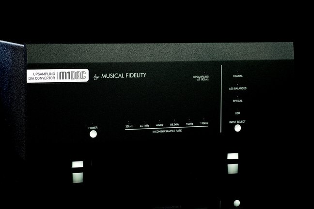 Musical Fidelity M1 DAC and V-Link USB Adapter (TAS 213)