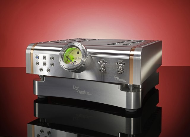 Dan D'Agostino Master Audio Systems Momentum Integrated amplifier