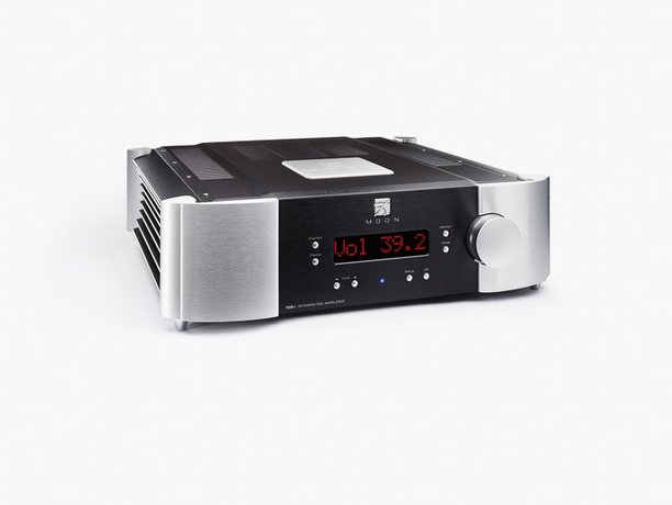 MOON by Simaudio 700i v2 Integrated amplifier and 780D v2 streaming DAC