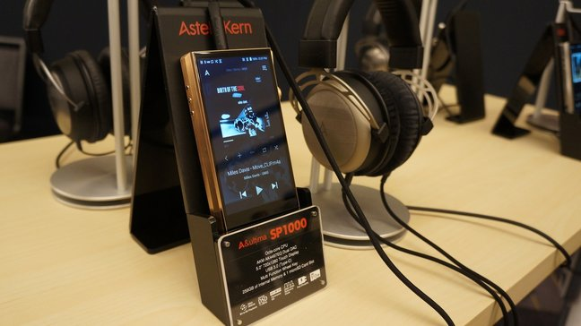 LA Audio Show: Headphones & Personal Audio