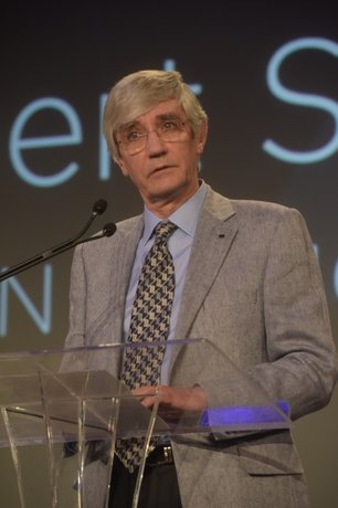 Bob Stuart Honored with CEDIA's Lifetime Achievement Award