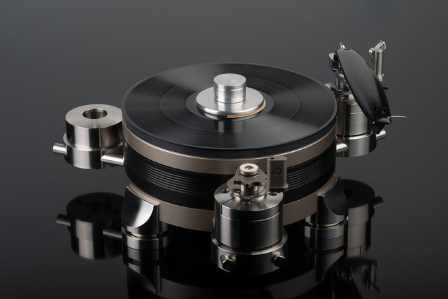 Continuum Audio Labs Obsidian turntable and Viper tonearm