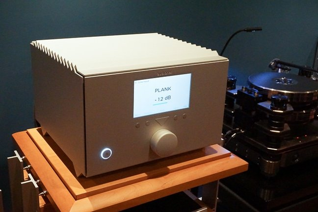 Raising the Bar (a preview): AudioNet Stern preamplifier and Heisenberg monoblock power amplifiers