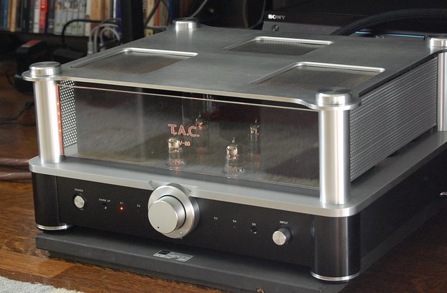 First Look: The New All Tube V-60 From Vincent Audio