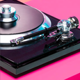 EAT C-Sharp Turntable with Ortofon Quintet Black Cartridge