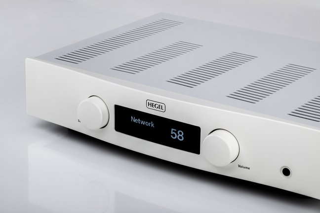 Hegel Röst integrated system amplifier