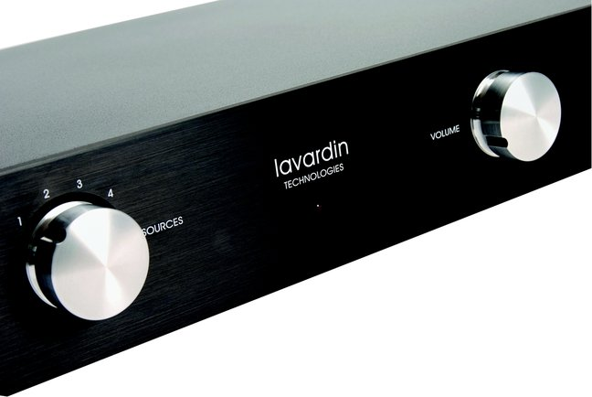 He ain't heavy – the Lavardin  IS integrated amplifier