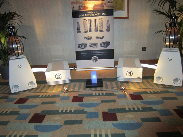 California Audio Show Opens in Burlingame, CA.