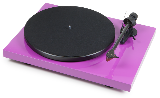 Pro-Ject Debut Carbon DC & Debut Carbon Phono USB Now In The UK