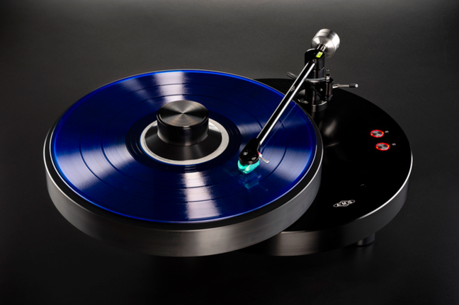 AMG Giro Turntable, 9W2 'Arm, and Teatro Moving-Coil Cartridge