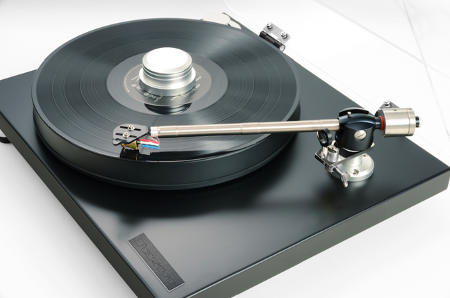 Bryston Introduces the BLP-1 Turntable