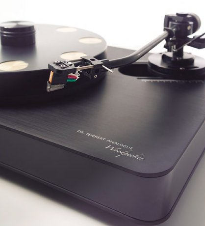 Dr. Feickert Analogue Woodpecker Turntable