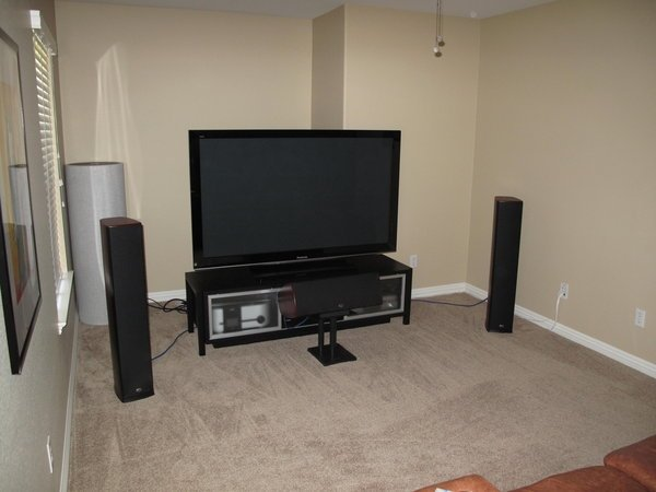 Big Sound From a Small Home Theater (TPV 94)